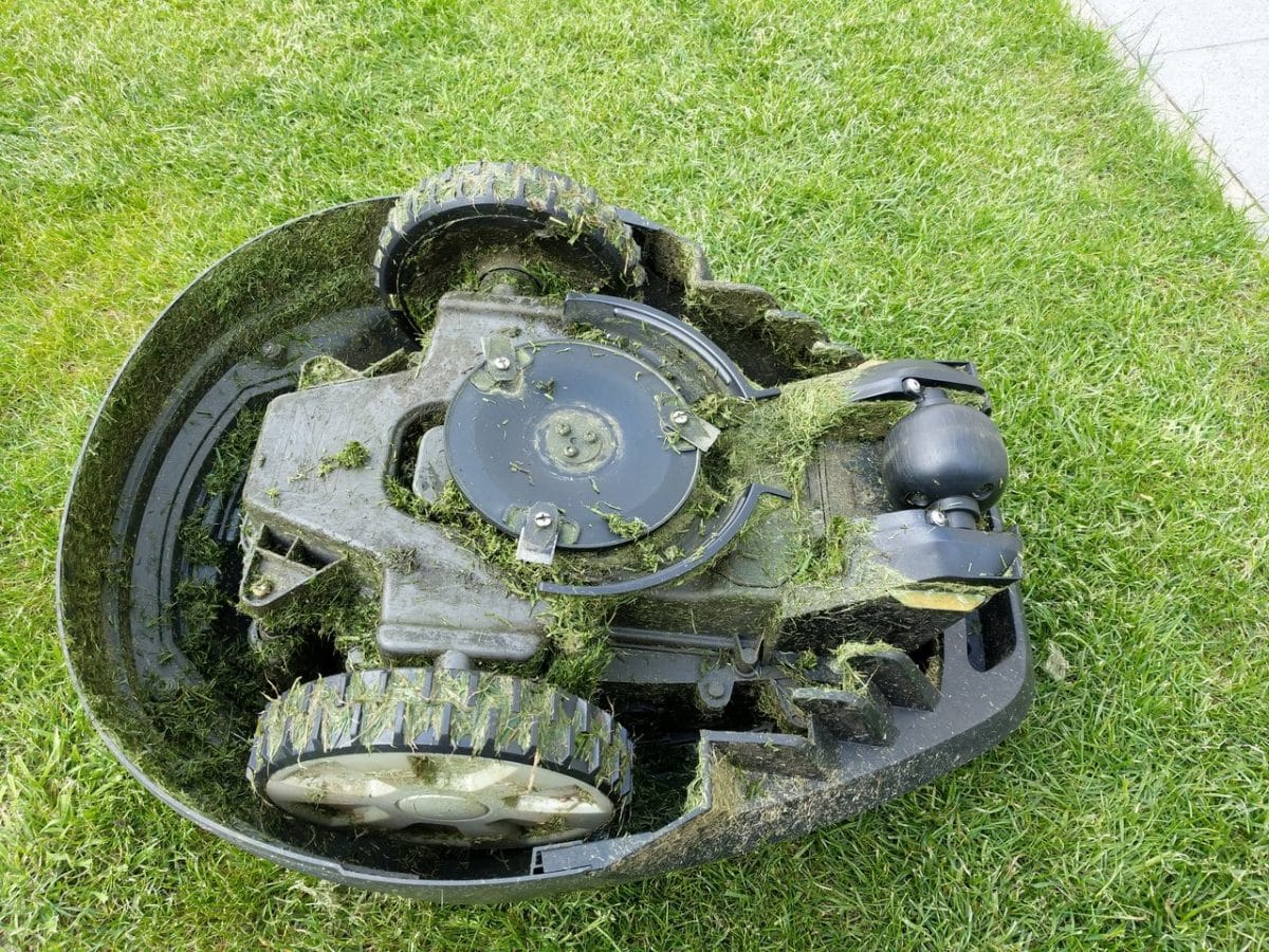 flymo 1200r in need of a good clean my robot mower