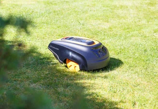 McCulloch ROB R600 Robot Lawn Mower