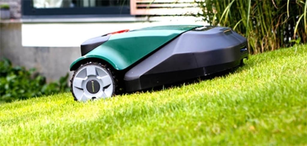 Robomow RS615 Pro X Robot Lawn Mower