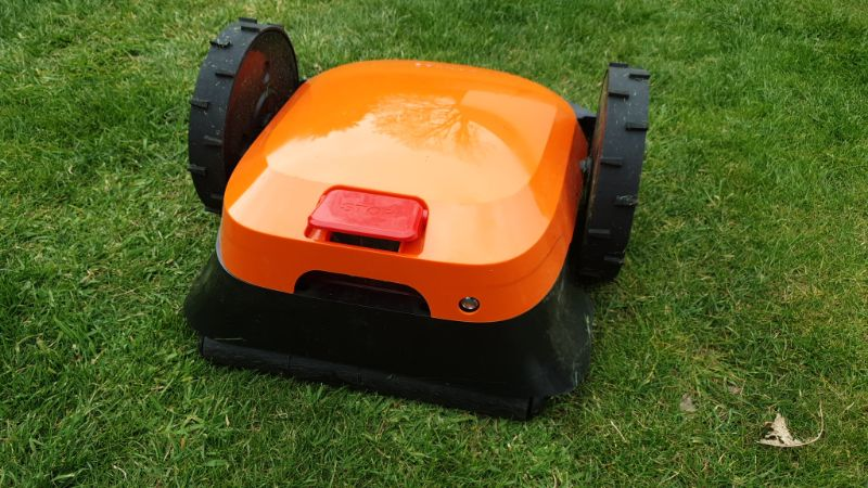 canvas robot mower